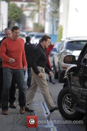Shriver Denies Wanting To Run For Husband Schwarzenegger's Job