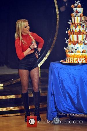 Spears To Light Up Los Angeles