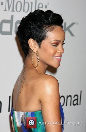 Police 'To Probe Rihanna/brown Relationship History' - Report