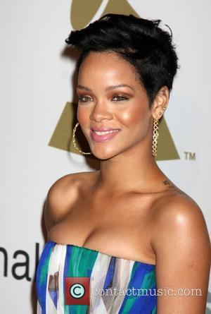 Rihanna Thanks Fans For Support
