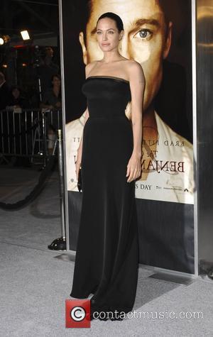 Jolie Denies Pre-nup Claims