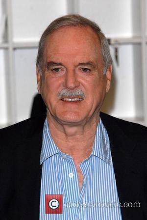 Cleese Criticises 'Unhealthy' Britain