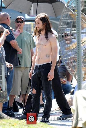 Joseph Gordon-Levitt  filming on location for the upcoming film 'Hesher' Los Angeles, California - 20.05.09