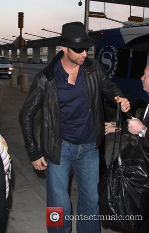 Jackman Defends Madonna's Adoption Bid