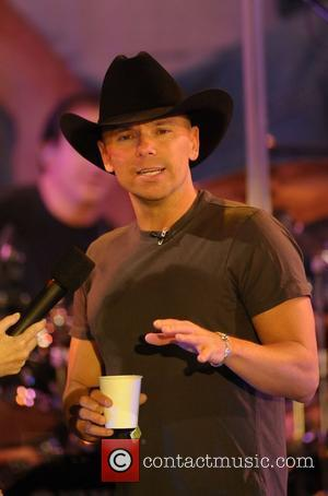 Country Star Kenny Chesney Tops Us Album Chart