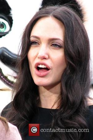 Jolie Denies Pregnancy Reports