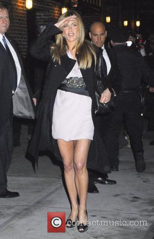 Aniston's Christmas Present To Letterman