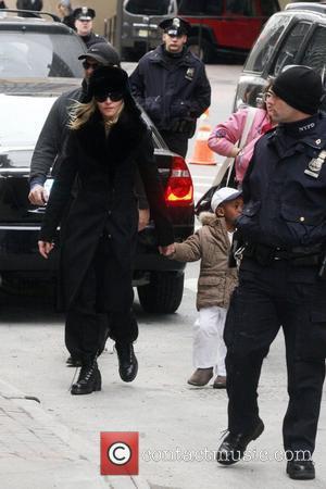 Madonna To Star As Socialite Simpson?