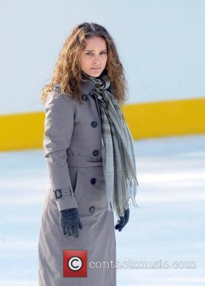 Natalie Portman on the set for 'Love and Other Impossible Pursuits' filming at the Wollman rink in Central Park New...