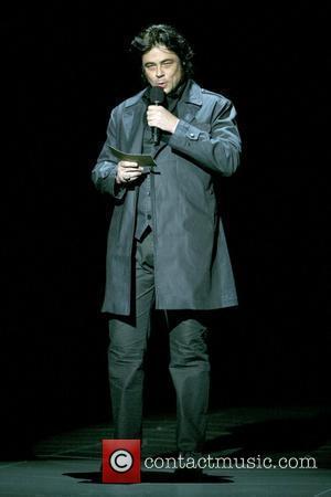 Del Toro Enjoys Meeting With 'Nice' Chavez
