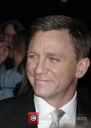 Craig Credits Moore With Bond Success