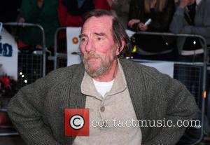 Oscar Nominee Postlethwaite Dead At 64