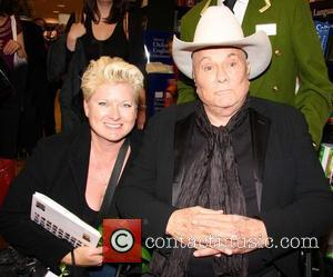 Tony Curtis Reaches Out To End Rift With Daughter Jamie Lee