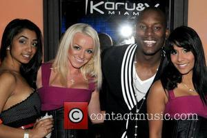 Tyrese Gibson and Guests Birthday celebration for Tyrese at Karu & Y Lounge  Miami, Florida - 26.12.08