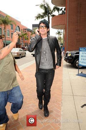 Lambert Fans Raise $229,000 For Charity
