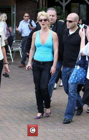 Britney Spears visits London Zoo with her children London, England - 16.06.09