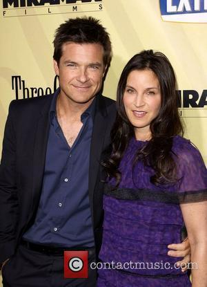 Jason Bateman and his wife Amanda Anka The premiere of 'Extract' held at the ArcLight Theater - Arrivals Los Angeles,...