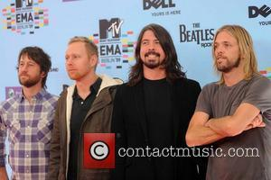 Grohl Thought Nirvana Reading Show Would End Band