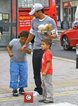 Peter Andre goes to Starbucks with his son Junior and Harvey Brighton, England - 05.08.09