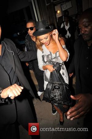 Beyonce Crowd Surfs At London Gig