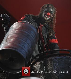 Slipknot Frontman 'On The Fence' About Performing Without Gray