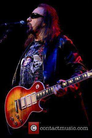 Ace Frehley Falls Off Stage In New York