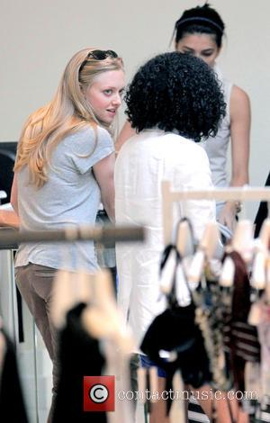 Seyfried Determined To Avoid Tabloid Life