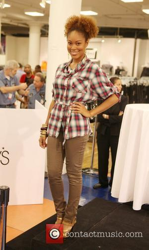Apple Bottoms Model Macy's welcomes Hip Hop recording artist Nelly Haynes Jr. to show his latest collection from his woman's...