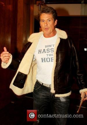 Hasselhoff Revisits Cancer Survivors