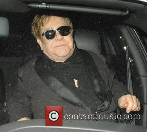 Sir Elton Slams Gallaghers For Destroying Oasis' American Success