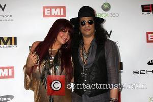 Slash To Record Album With Fan