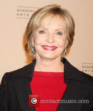 Florence Henderson To Thank Eye Surgeons For New Sight