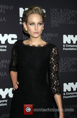 Leelee Sobieski To Star In Robert De Niro Cop Show