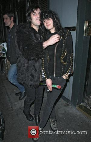 Noel Fielding and Alison Mosshart outside the Groucho club. London, England - 28.10.10