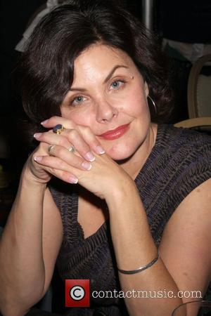 Sherilyn Fenn Signs On For New Series Of Twin Peaks - Report