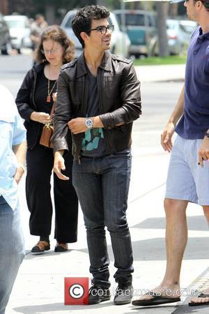 Joe Jonas and his family leave Patys Restaurant in Toluca Lake Los Angeles, California - 08.07.10
