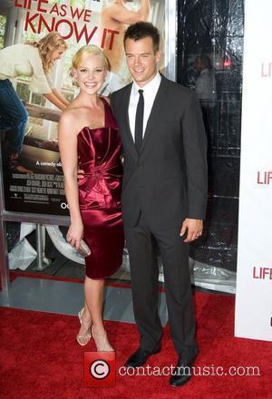 Kelley Gives Heigl's Kissing Scenes A Miss