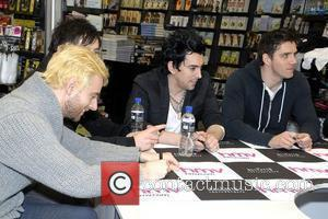 Fire Forces Lostprophets To Scrap Gig
