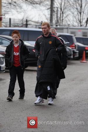 Paul Scholes' Car Is Stolen While He Defrosts Windscreen
