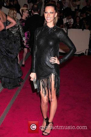 Model Mum Bundchen Tops Richest Model Poll