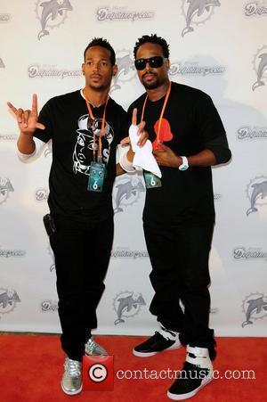 Marlon Wayans and Shawn Wayans The Miami Dolphins Tailgate Concert held at the Sun Life Stadium - Arrivals  Miami,...