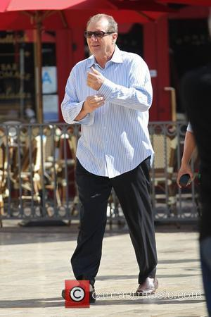 Ed O'Neill filming ABC's 'Modern Family' on location at The Grove Los Angeles, California - 13.10.10