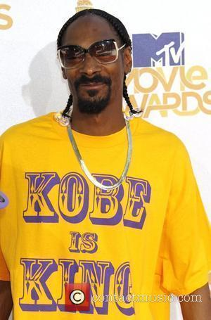 Snoop Dogg Challenges Wahlberg To Basketball Bet