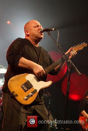 Bloody Tale As Rocker Byrne Collides With Guitar At Pixies Show