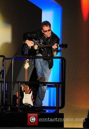 Huey Lewis Exposed As Most Well-endowed Rocker
