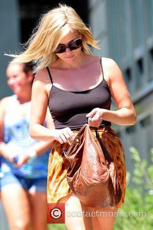 Witherspoon Not Pregnant