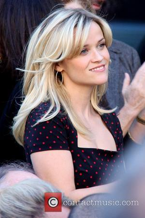 Witherspoon Takes Kids To Hollywood Star Unveiling