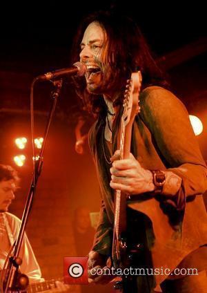 Rocker Richie Kotzen Suffers Vocal Cord Haemorrhage