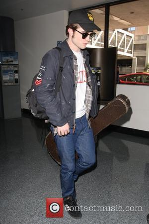 Pattinson: 'Kissing Kristen Was Easier For Eclipse'