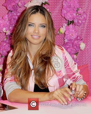 Adriana Lima Victoria's Secret Beauty debuts their new fragrance 'Bombshell' at the Victoria's Secret store Aventura, Florida - 21.09.10